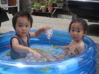 この夏、初プール♪