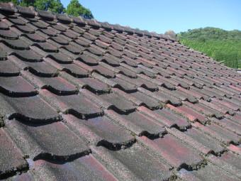 洗浄前の屋根瓦