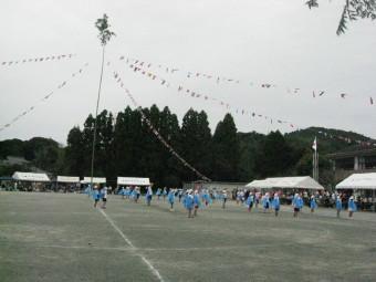 万国旗の中心は大竹
