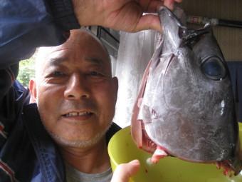 魚の頭 と まさやんパパ の頭を比較♪
