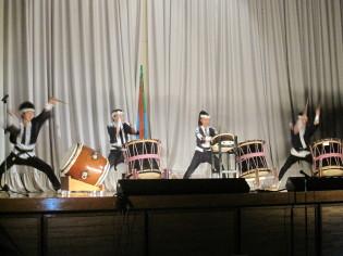 4人で和太鼓演奏♪
